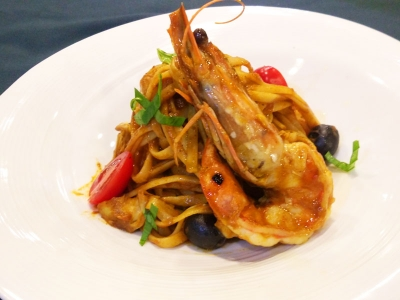 Sautéed Linguine Pasta  with Prawns, Olive and Artichoke Hearts